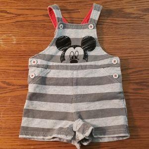Boys 6-9 month mickey bibs